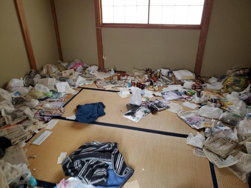 上越市ゴミ屋敷のかたづけを対応致しました。