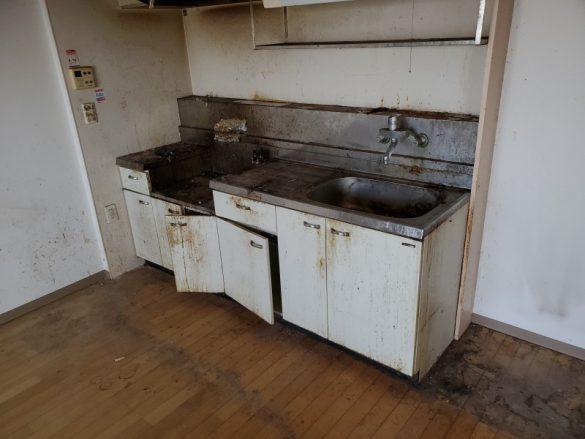 新潟市/部屋のルームクリーニングおよび脱臭業務